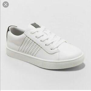 Art Class Boys' Wiley Low Top Sneakers